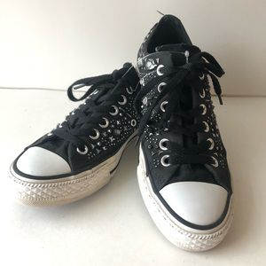 Converse Lowtop Studded Sneakers Womens 7
